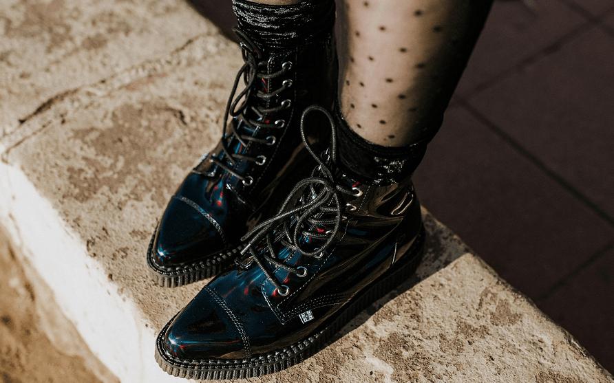 Lace-Up Boots sang trọng mà vẫn cá tính