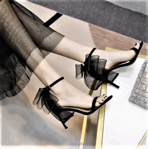 Duyên dáng hơn với giày cao gót thắt nơ lưới cổ chân
