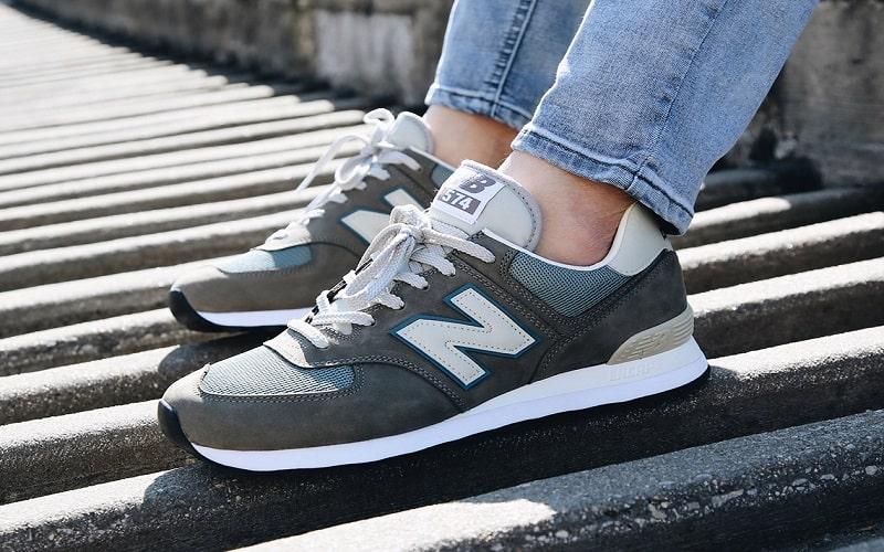 New Balance 574 Evergreen Sneaker thích hợp cho các buổi đi chơi, đi dạo