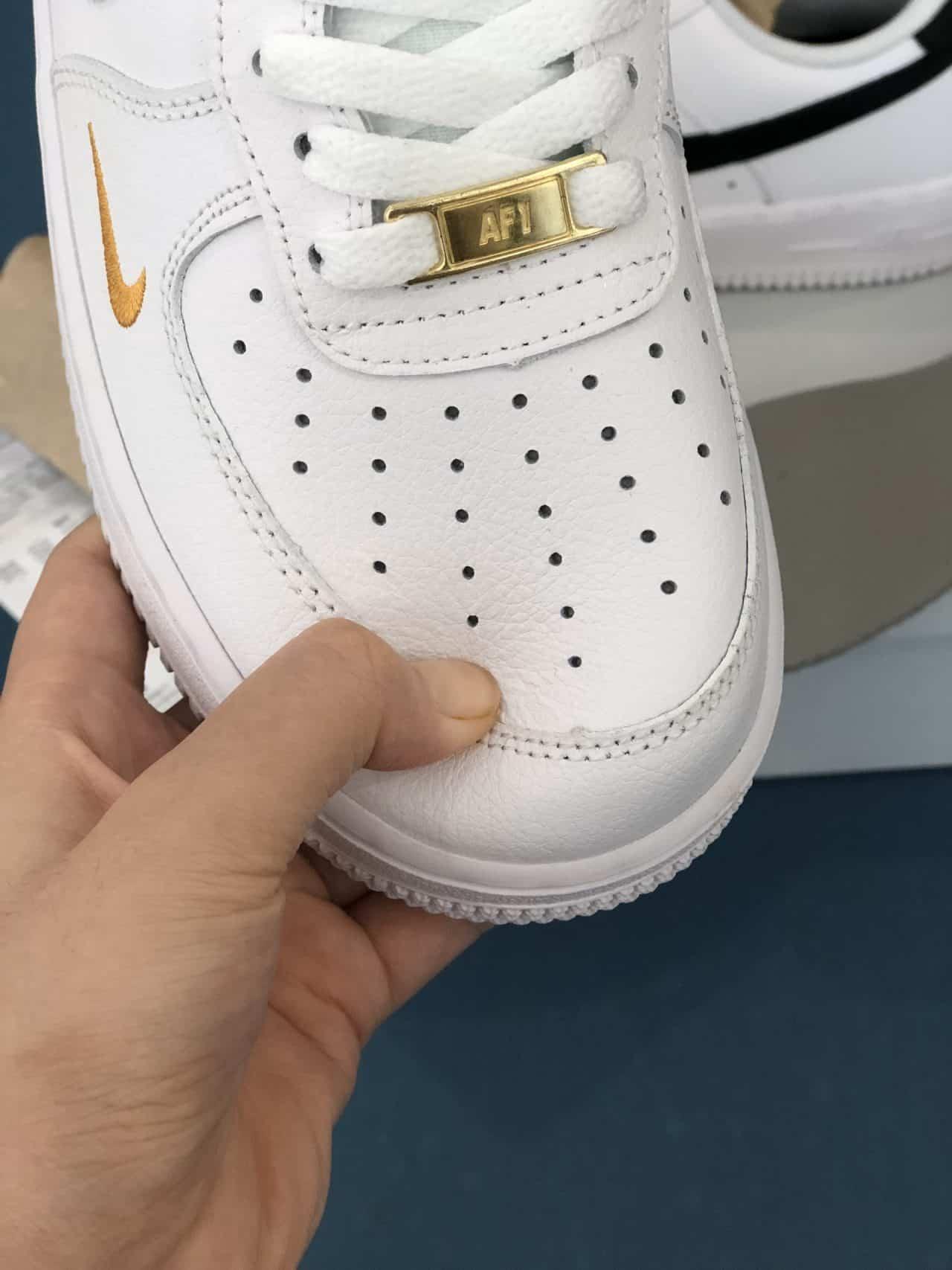 Giày Nike Air Force 1 tick Vàng rep 1:1 có kiểu dáng thiết kế bắt mắt