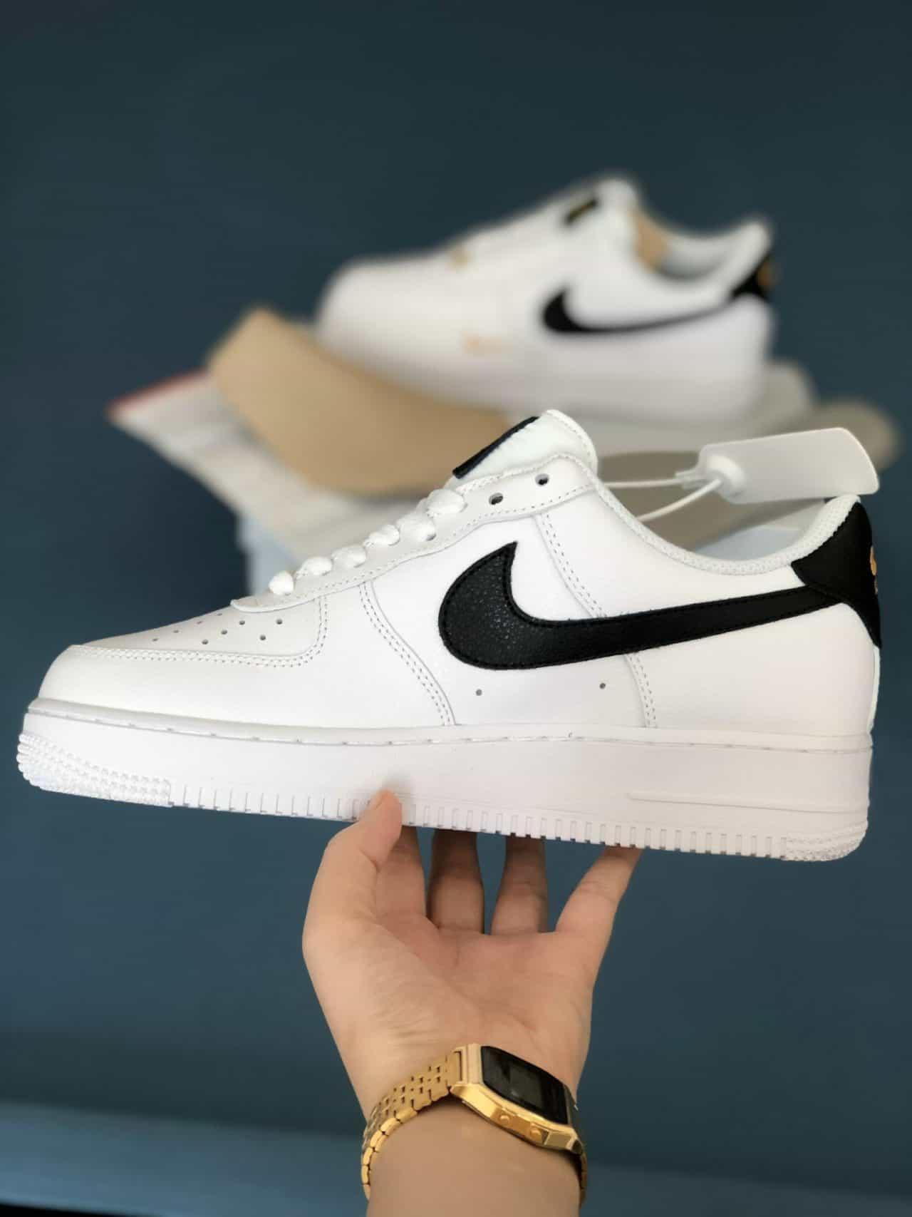Giày Nike Air Force 1 tick Vàng rep 1:1 là mẫu giày được nhiều bạn trẻ ưa chuộng