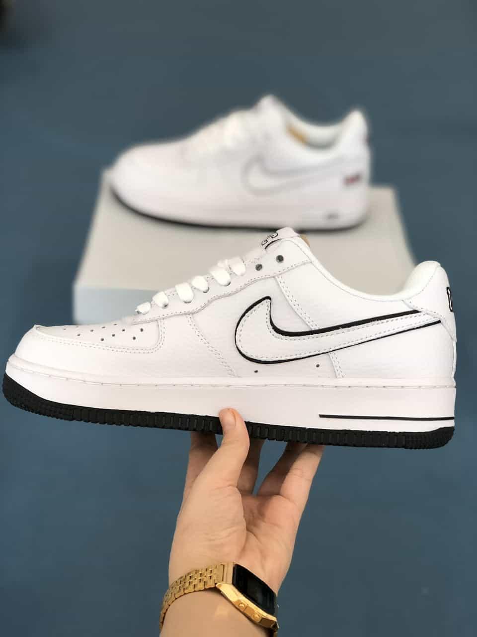 Giày Nike Air Force 1 rep 1:1 có hình ảnh chữ NYC bắt mắt