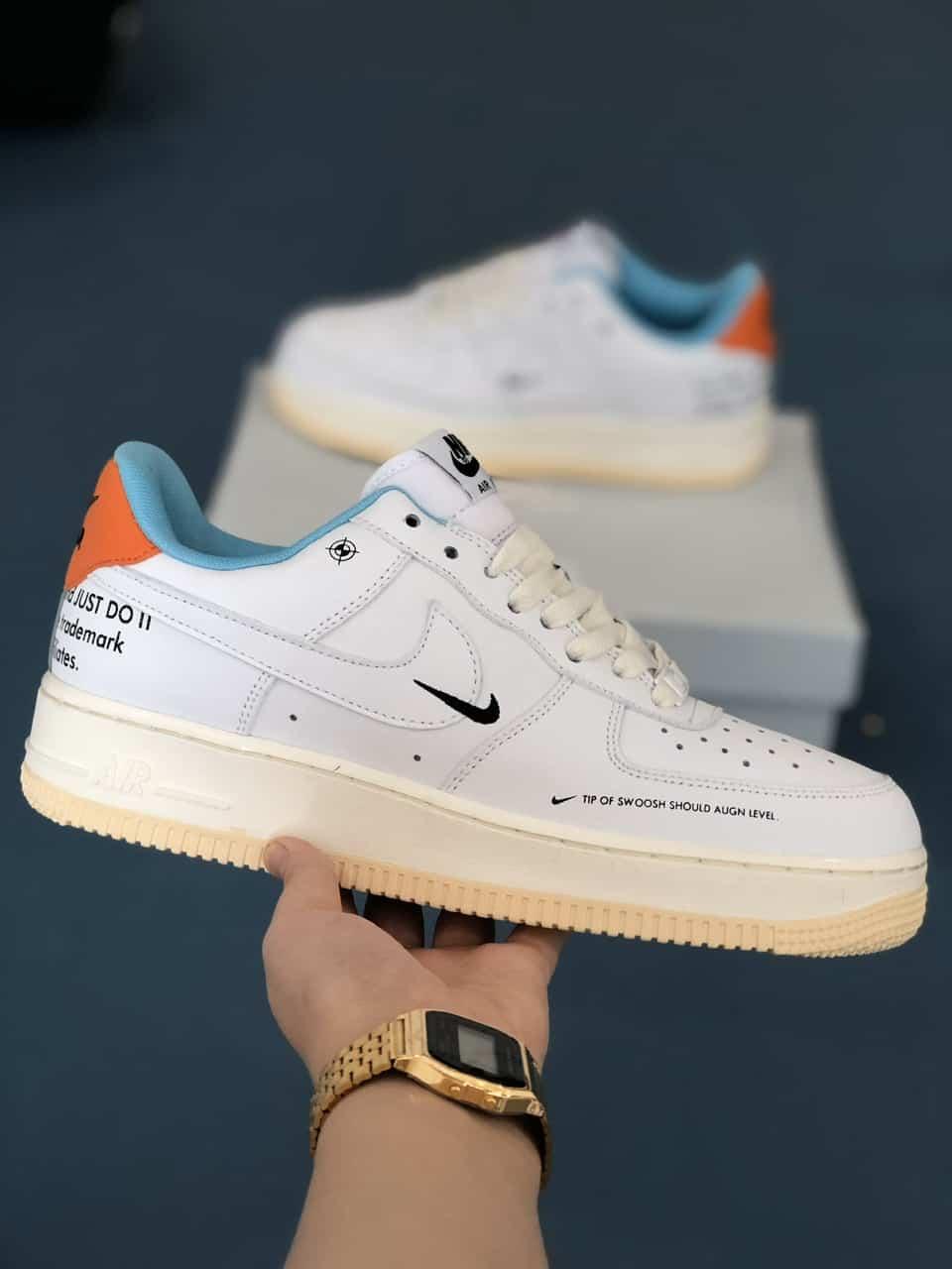 Giày Nike Air Force 1 Off White rep 1:1 có nhiều chi tiết nhỏ bắt mắt