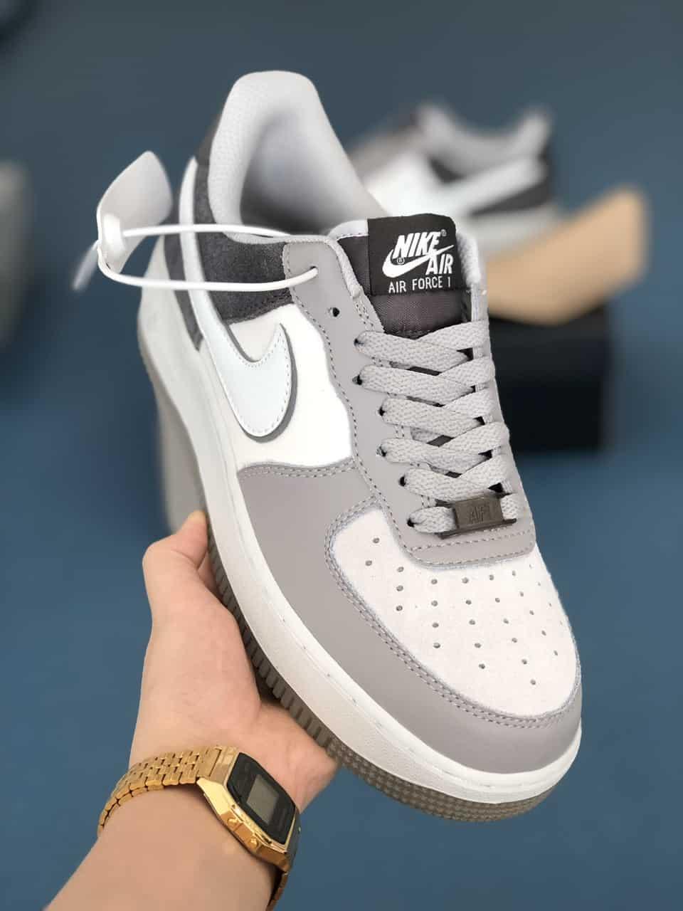 Giày Nike Air Force 1 Xám Đen rep 1:1 có nhiều chi tiết nổi bật và ấn tượng