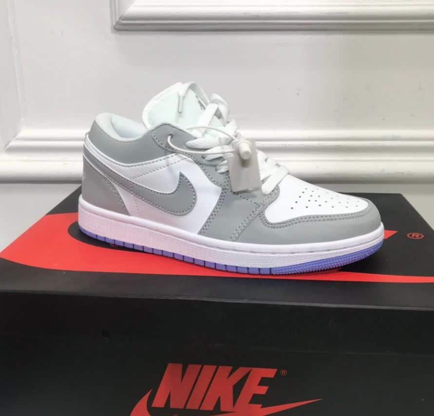 Giày Jordan 1 Low Xám Xanh rep 1:1 được đóng gói trong hộp cẩn thận, đẹp mắt