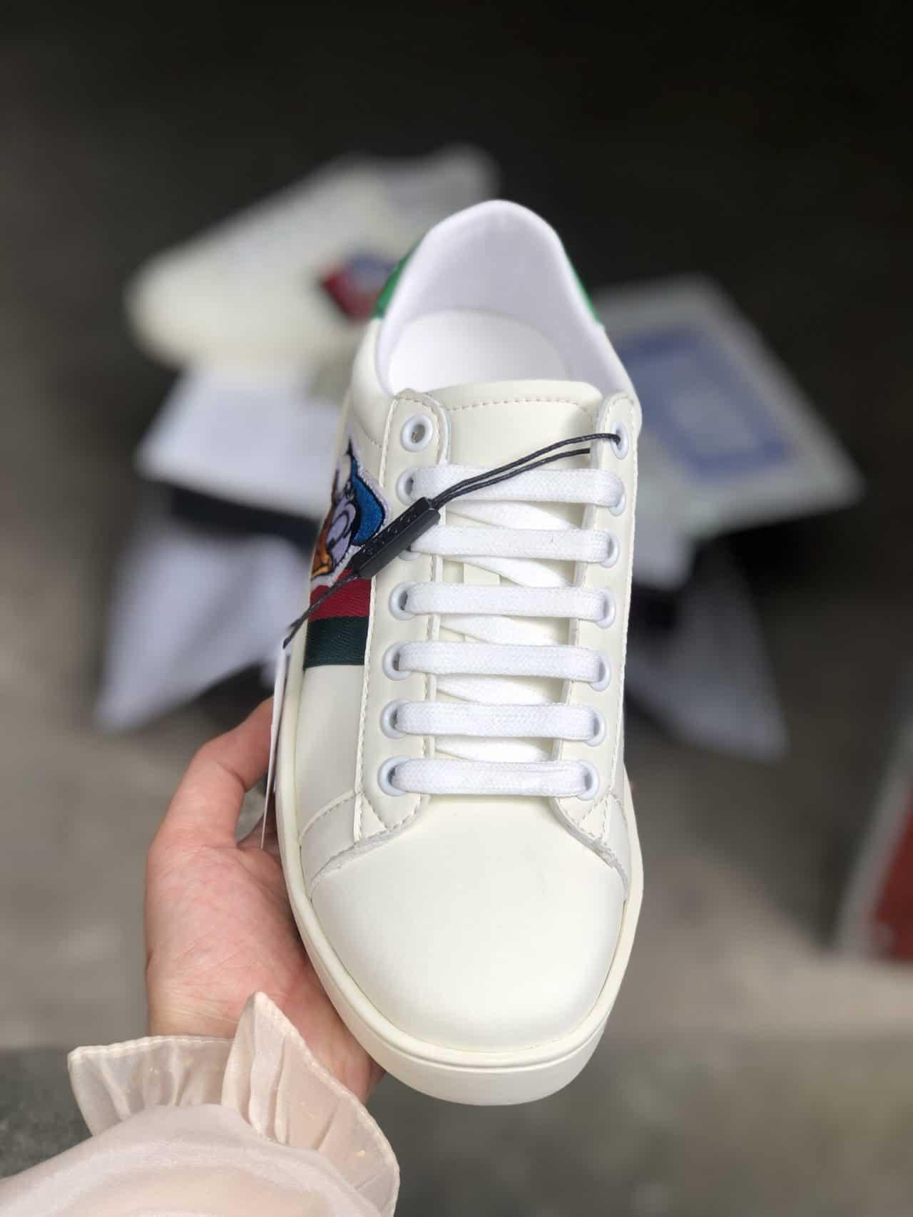 Giày Gucci là món quà dành cho những tín đồ tinh tế trong gu ăn mặc