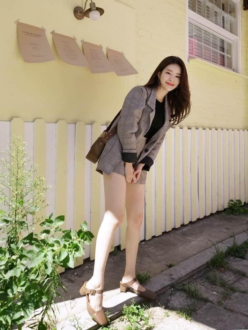 Giày mary jane cao gót quai ngang khá phù hợp với các bạn nữ mới tập tành đi cao gót