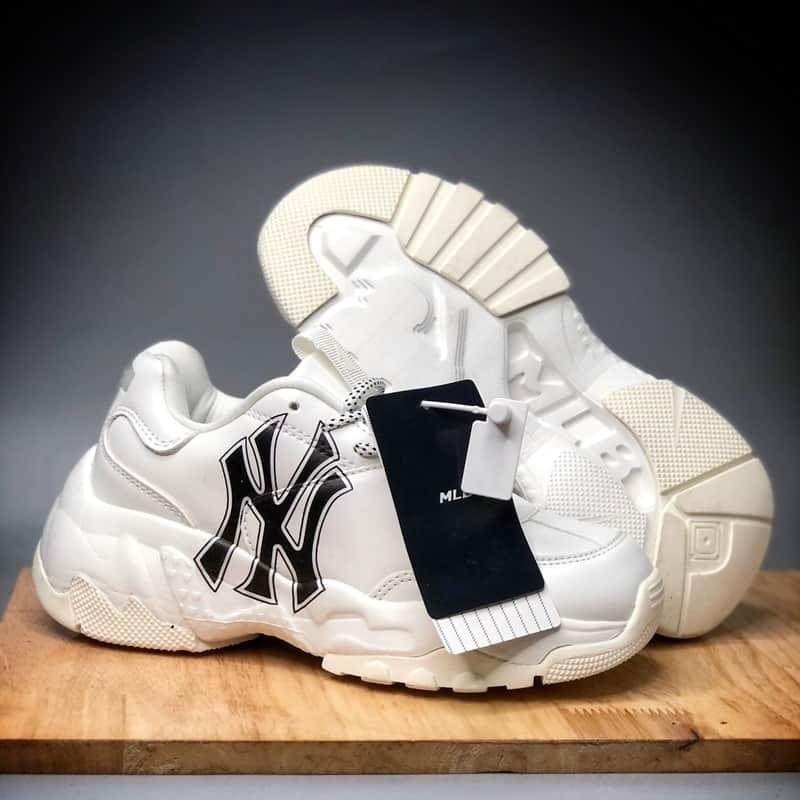 MLB là mẫu giày nổi tiếng đến từ Hàn Quốc