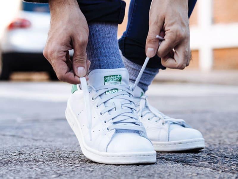 Hướng dẫn cách thắt dây giày hình nơ chắc chắn, không bị tuột
