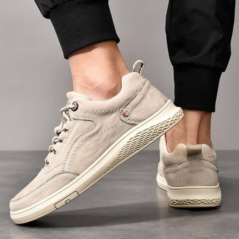 Giày màu be sẽ là phong cách không thể thiếu trong mỗi tủ đồ