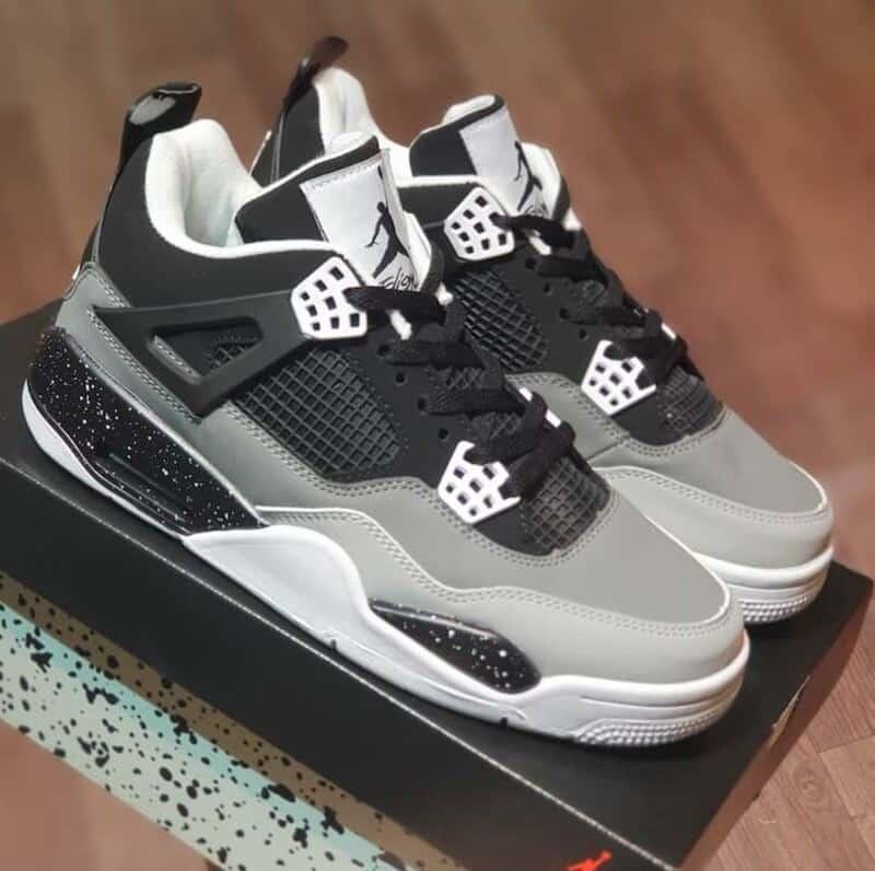 Phiên bản Jordan 4 Pear Pack