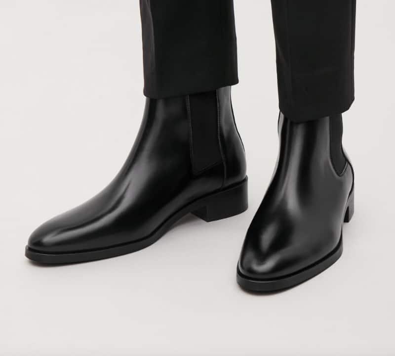 Phối giày Chelsea Boots với quần tây