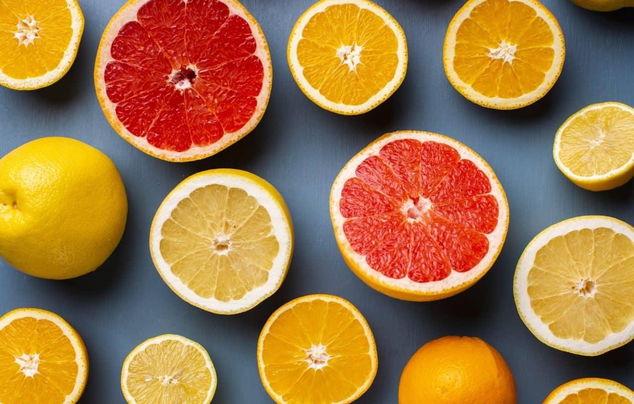 Tinh dầu trong vỏ chanh, cam, bưởi có thể loại bỏ vi khuẩn gây mùi