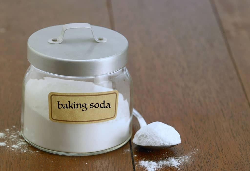 Baking soda có thể khử mùi hôi ở giày hiệu quả