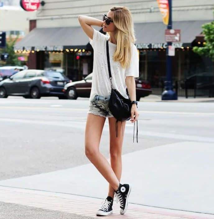 Nữ giới hoàn toàn trở nên năng động và cá tính hơn khi có giày converse cổ cao