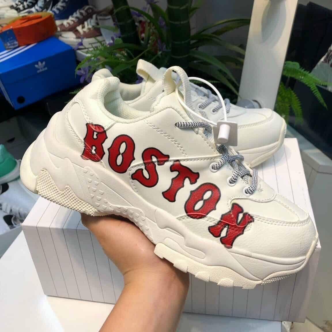Giày MLB Boston đỏ là đôi giày sẽ được yêu thích trong năm 2022