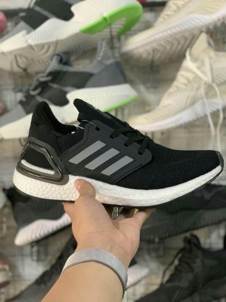 Adidas luôn làm chiều lòng mọi khách hàng