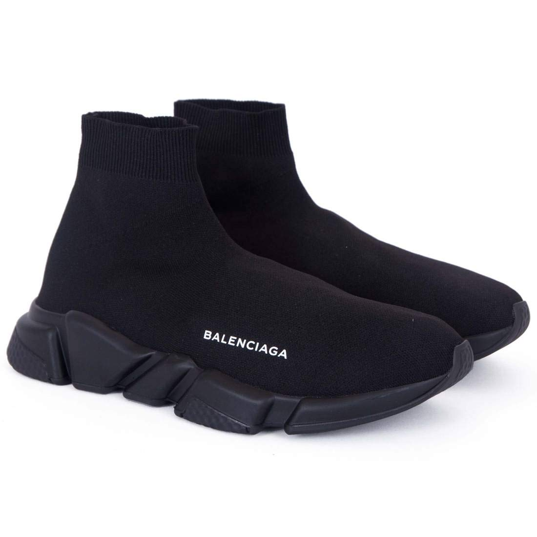 Màu đen bao trùm đôi Balenciaga Speed Trainer Triple Black