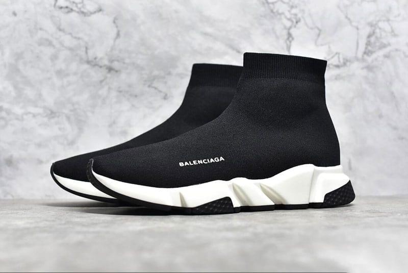 Balenciaga Speed Trainer Black White kết hợp giữa sneaker truyền thống và hiện đại