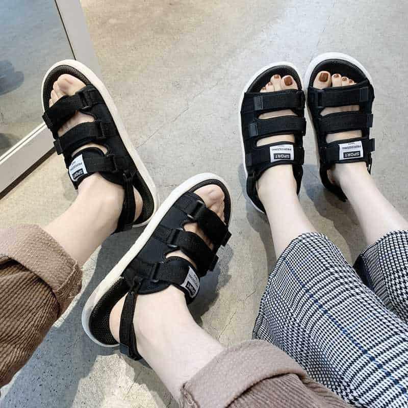 Ngoài màu cam cá tính, mẫu giày đi học nam cấp 2 còn sở hữu nhiều tone màu bắt mắt