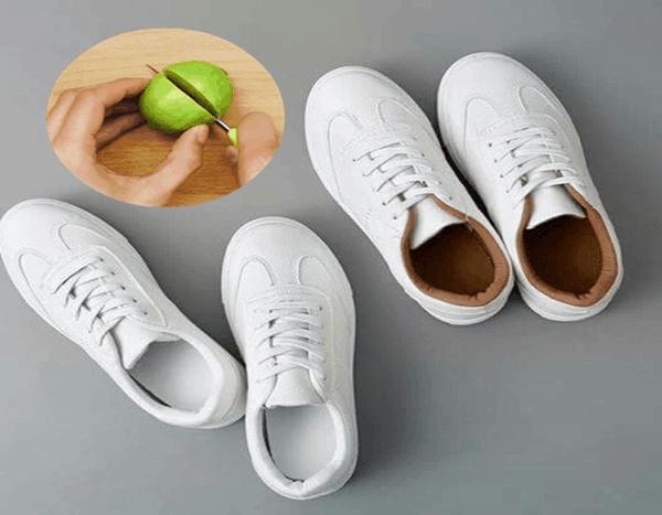 Chanh có tác dụng tẩy vết ố vàng trên sneaker.