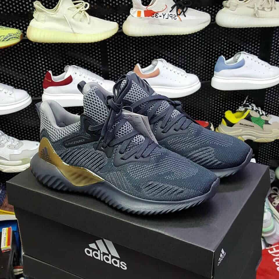 Adidas Alphabounce làm chiều lòng mọi khách hàng