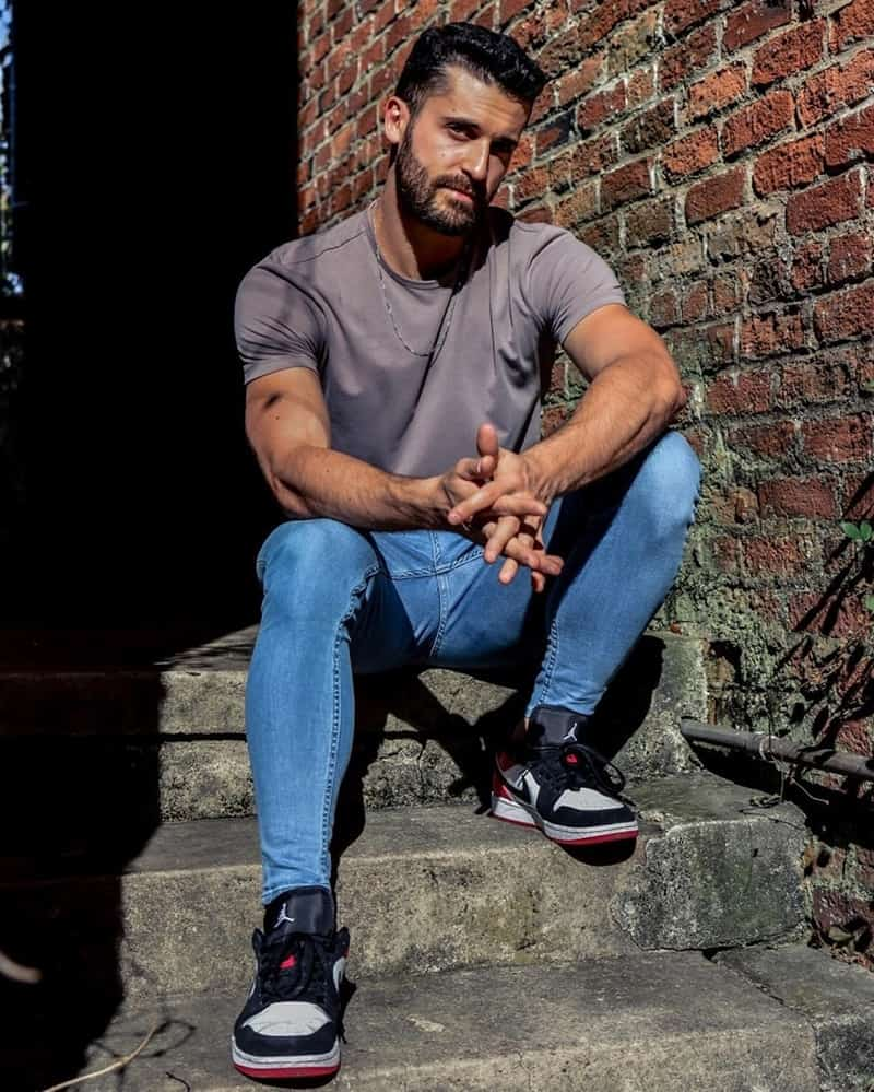 Cách phối đồ với giày Jordan 1 Low cho nam phù hợp style classic, tối giản