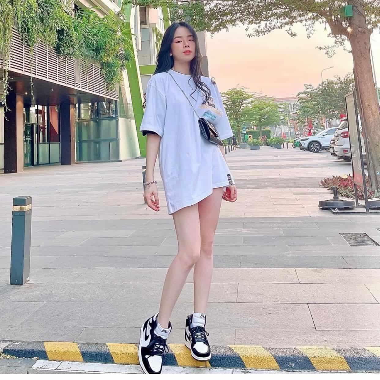 Phối đồ với giày Jordan cổ cao cho nữ