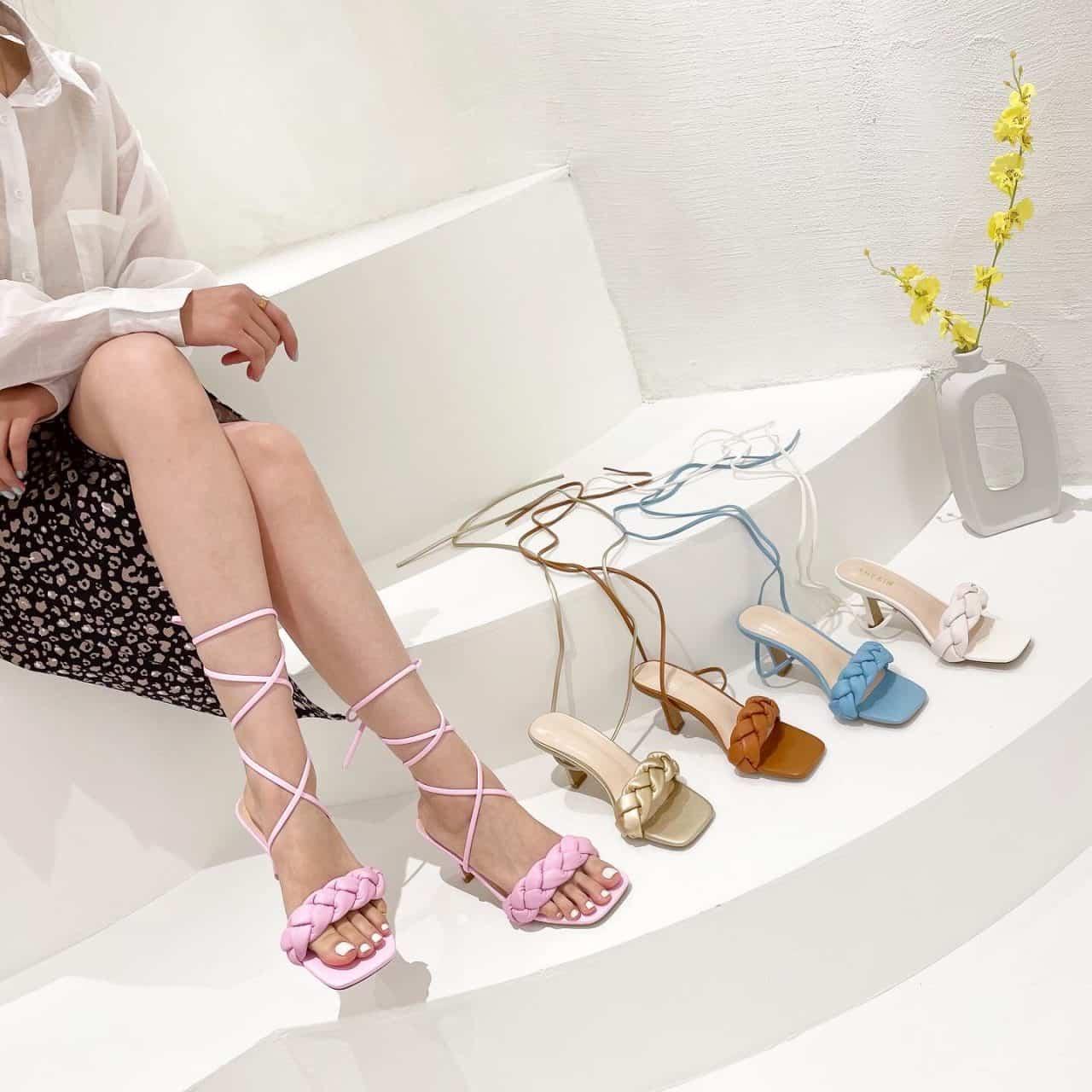 Loại giày này phù hợp với các loại trang phục nhẹ nhàng