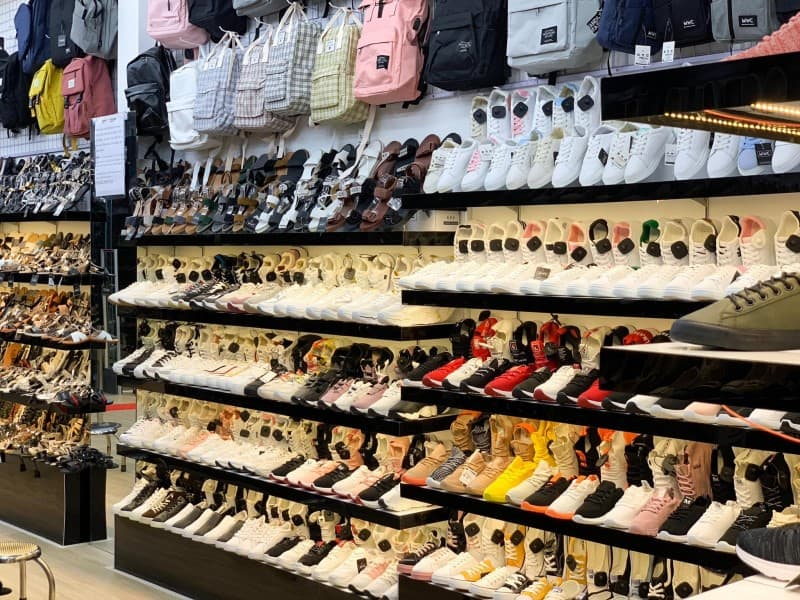 Gian hàng của MWC Shop tại Gò Vấp