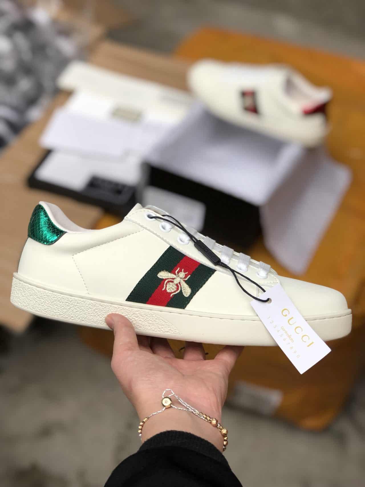 Sneaker thêu Gucci Ace Embroidered nhận được sự quan tâm của nhiều người