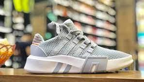 HB Shoes nổi tiếng với các sản phẩm chất lượng