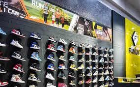 Giá thành sản phẩm tại shop giày Fandy luôn đảm bảo tốt nhất