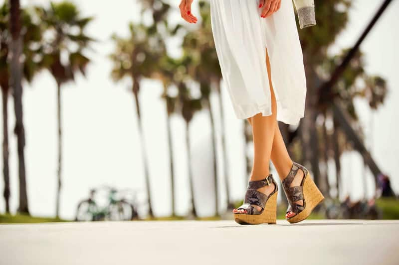 Đôi bàn chân to không thể bỏ qua đôi giày đế xuồng