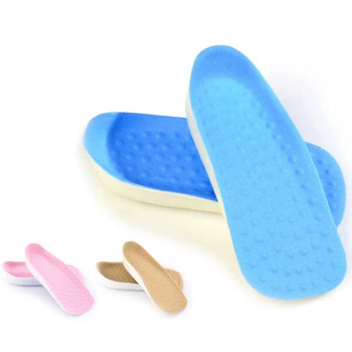 Sử dụng các miếng lót giày để giúp đôi giày chật hơn