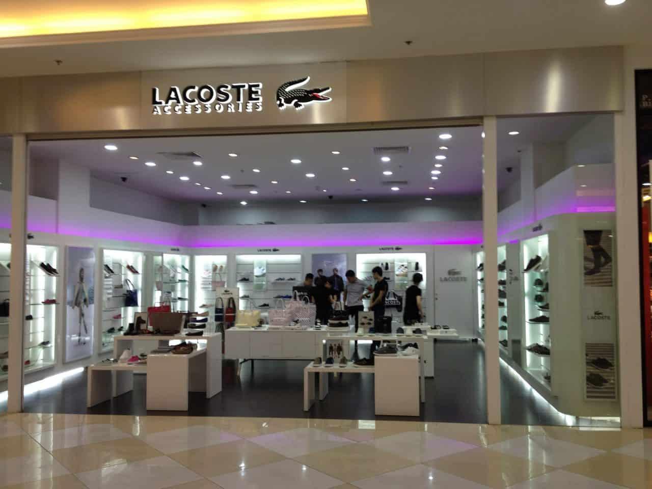 Bạn cũng có thể mua giày Lacoste tại TTTM Vincom Megamall (Royal City)