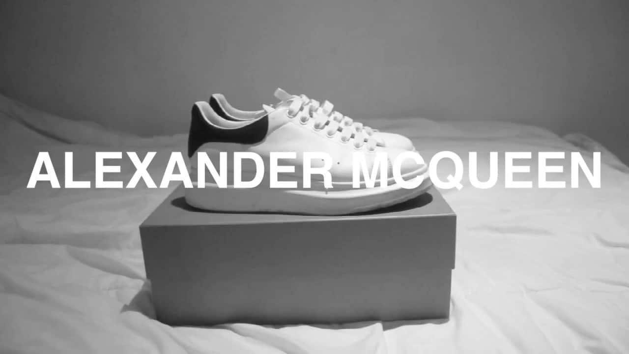 Alexander McQueen được thành lập bởi nhà thiết kế cùng tên và ra mắt vào năm 1992