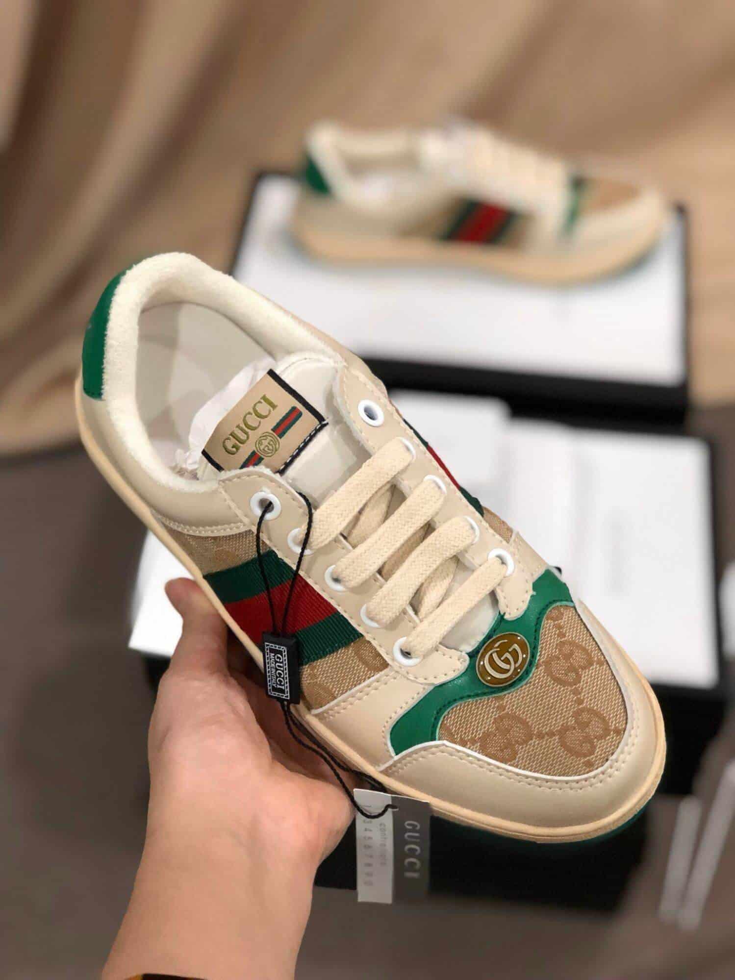 Giày Gucci Sreen Leather là mẫu được nhiều bạn săn đón