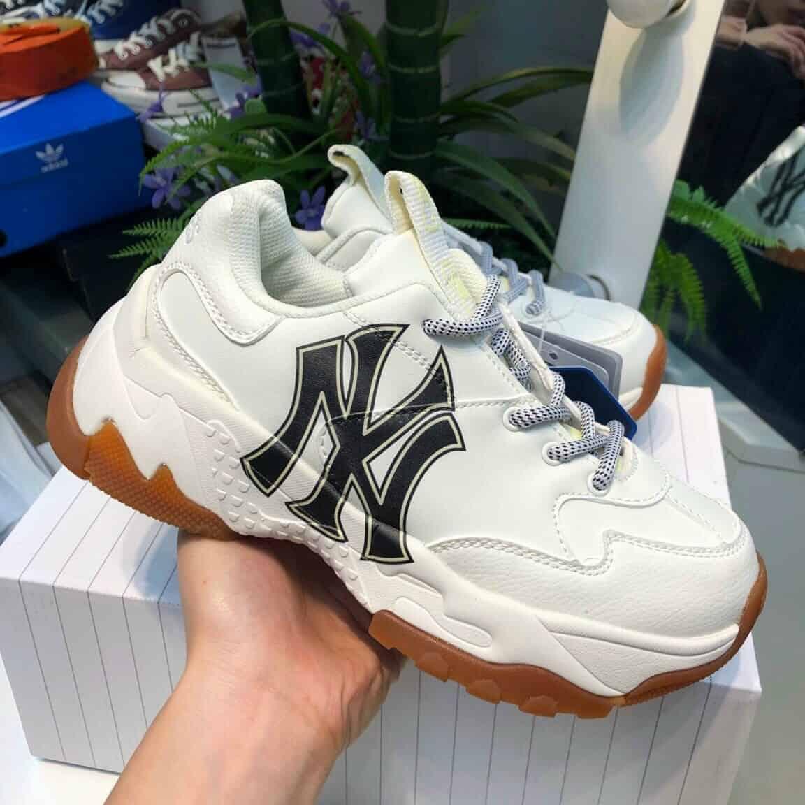 Giày có chất lượng cao phù hợp với nhiều khách hàng