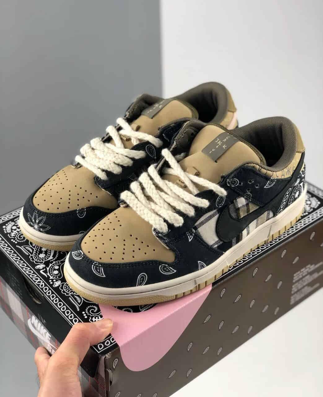 Giày Nike SB Dunk rep 1:1 có mức giá mềm hơn giày hàng Real khoảng 50%