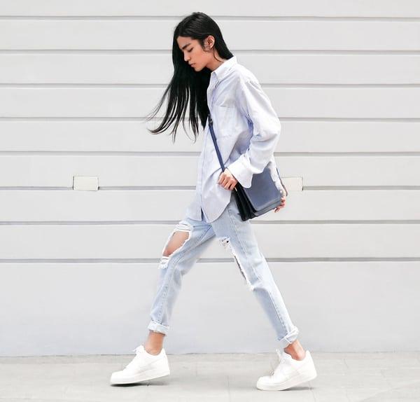 Mang quần jean Skinny với giày Nike
