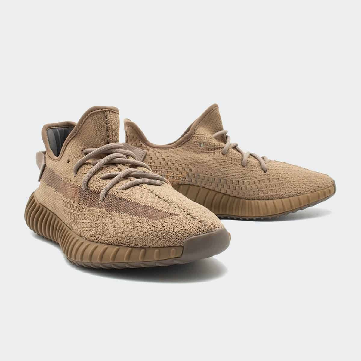 Adidas Yeezy sở hữu các tông màu trung tính, dễ mix & match với trang phục