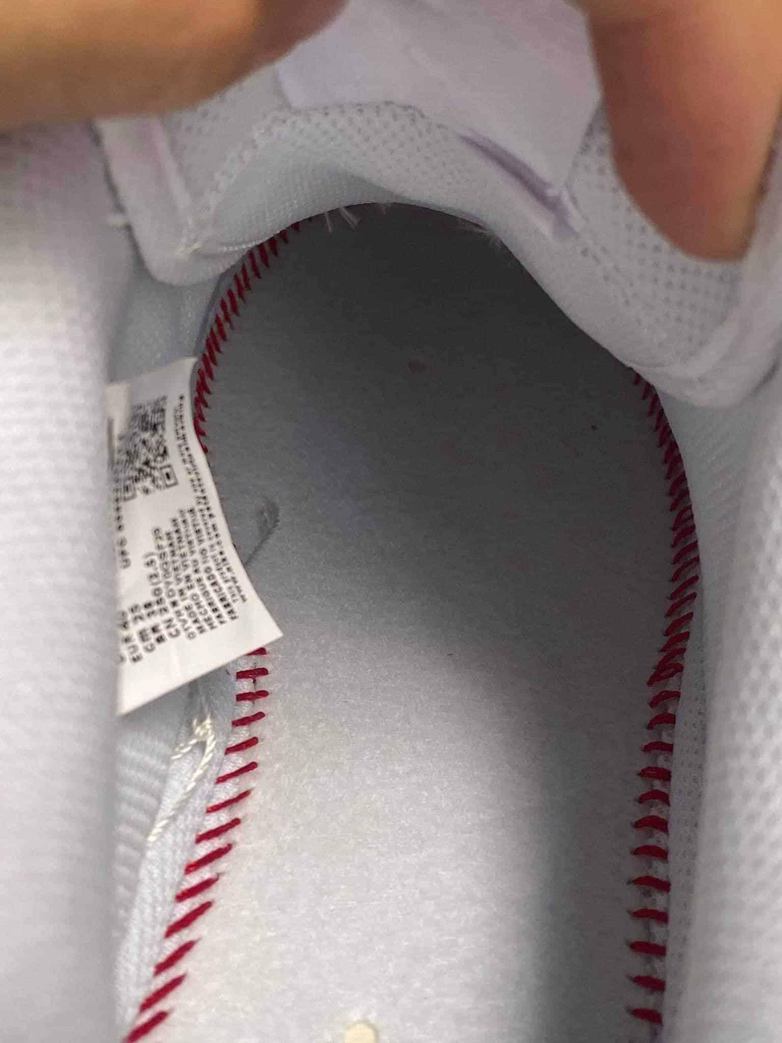 Nike Air Force 1 Trắng rep 1:1 giúp bạn thêm tự tin khoe cá tính vì những bước chân nhẹ và êm