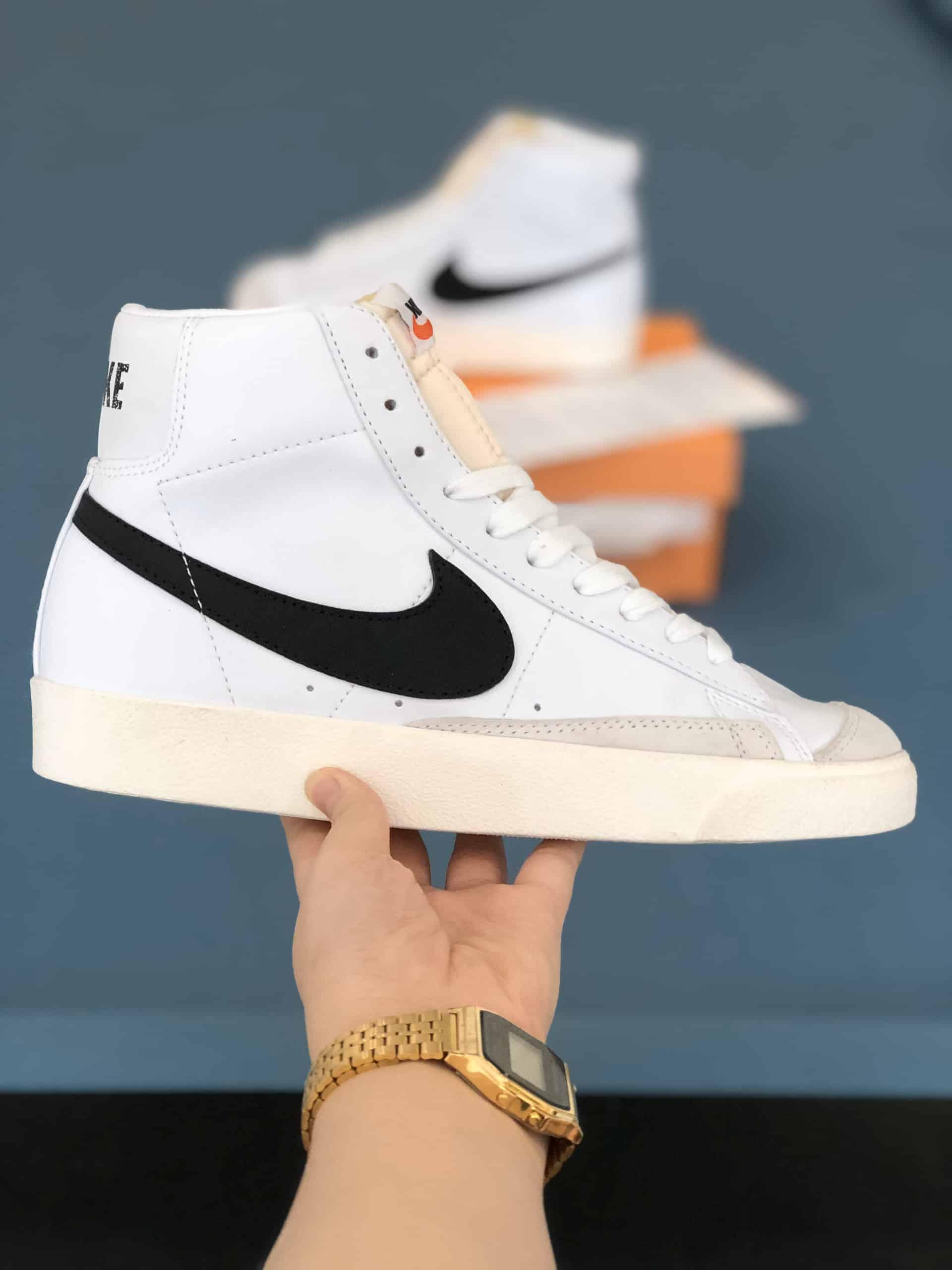 Nike Blazer Mid 77 Vintage White Black Rep 1:1 có giá chỉ bằng 30-50% so với Nike chính hãng