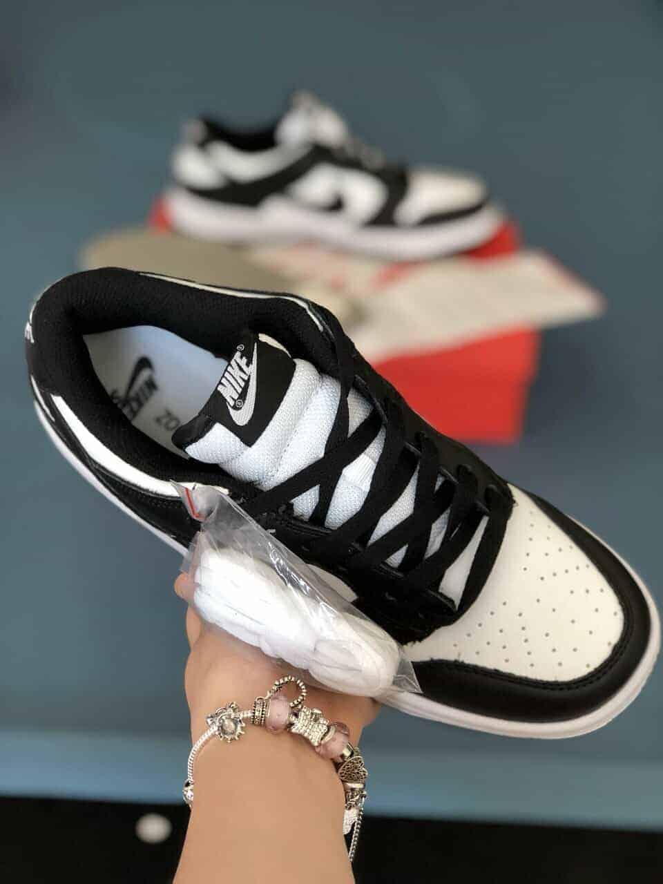 Nike SB Dunk Panda Rep 1:1 khỏe khoắn rất hợp với bạn trẻ yêu thích hoạt động, ưa khám phá