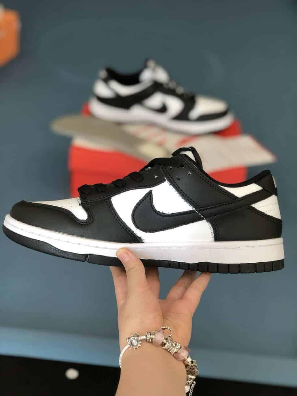 Nike SB Dunk Panda Rep 1:1 giúp bạn thêm hài lòng vì thiết kế hợp thời