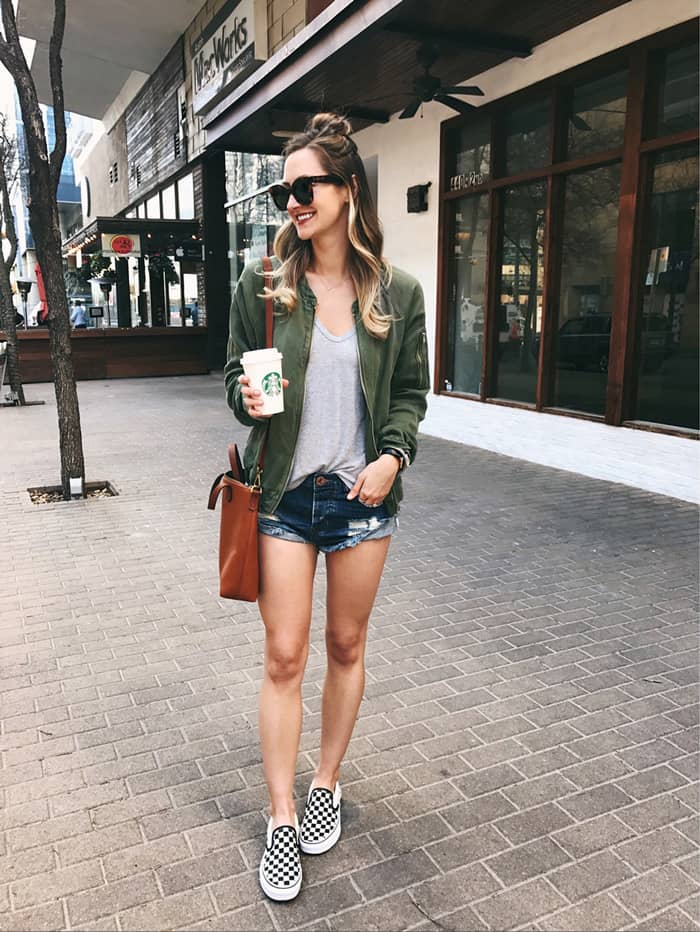 Outfit dạo phố chẳng bao giờ hết hot