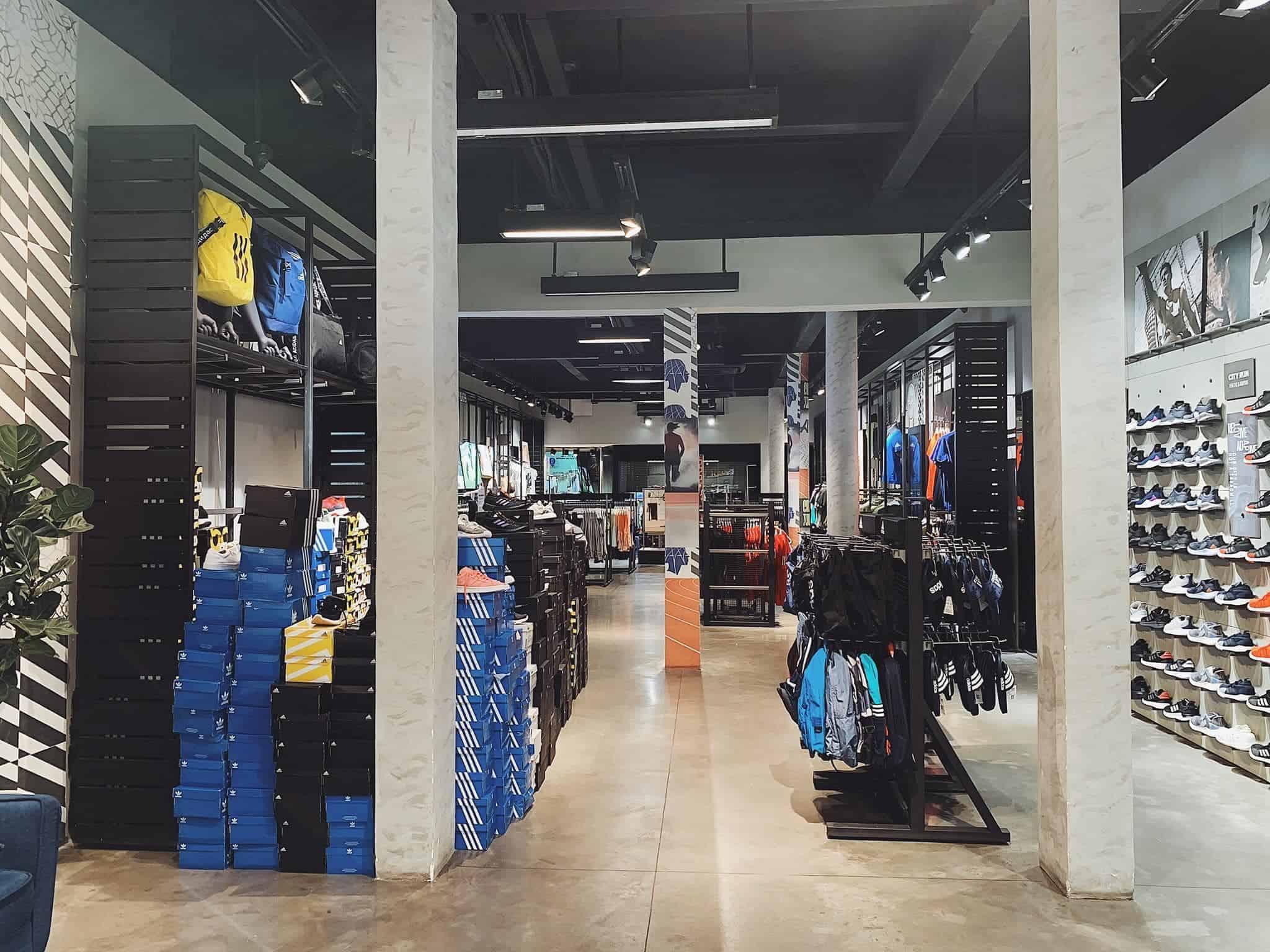 Adidas Nguyễn Trãi là có không gian hiện đại, rộng rãi và thoải mái