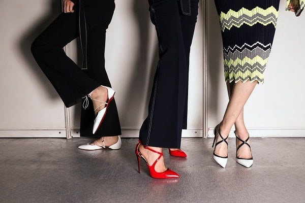 Dùng miếng lót khi mang giày cao gót
