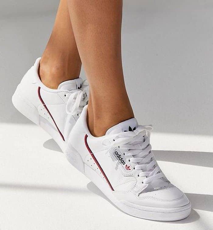 Giày thể thao nữ cá tính của Adidas
